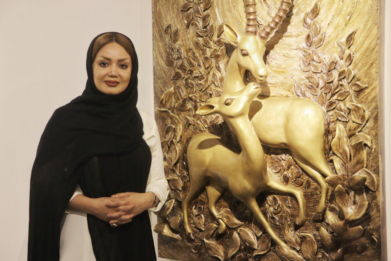 نمایشگاه آثار نقاشی و نقش برجستهی شیرین یزدانیراد
