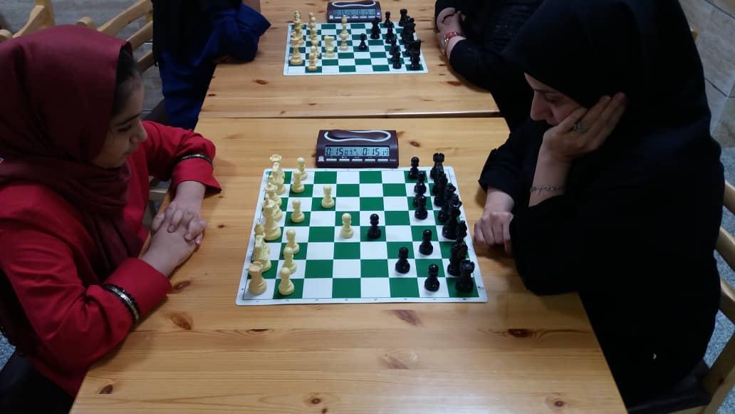 برگزاری مسابقات شطرنج به مناسبت گرامیداشت هفته دفاع مقدس در کیش